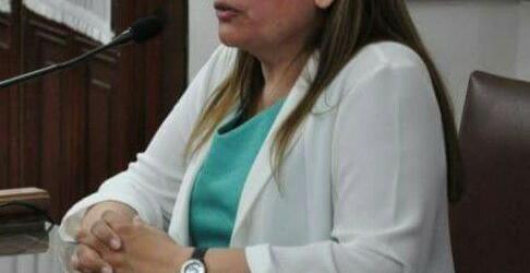 La Dra. María del Carmen Molares entre ellos: Cambiemos no da acuerdo a pliegos de cinco defensores