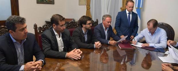 Bordet firmó créditos para que más municipios accedan a obras
