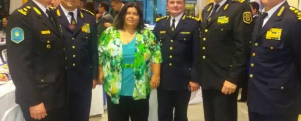 La Senadora Nancy Miranda saludó a la policía en su día