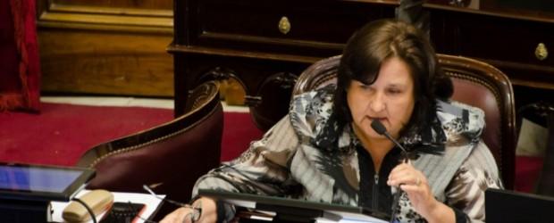 Una senadora de Catamarca amenaza irse con Cristina y vuelve a sacudir el bloque de Pichetto