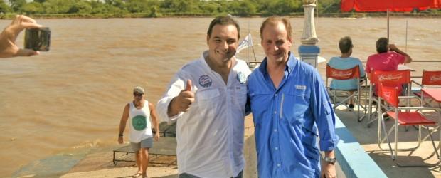 Valdés y Bordet estrecharon lazos antes de subir a sus lanchas en la Pesca del Surubí