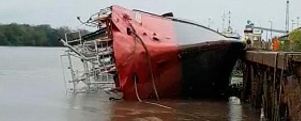 Un buque pesquero se hundió en el Puerto de Concepción del Uruguay