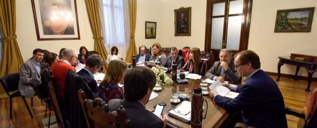 La provincia licita este mes obras educativas, sanitarias y viales por más de 1.600 millones de pesos