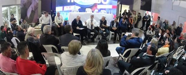 """""""Volvamos a creer"""": Dirigentes kirchneristas disertaron en Concordia sobre la actualidad nacional"""