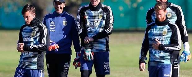 Argentina entrenó pensando en Nigeria y Armani se perfila para entrar por Caballero