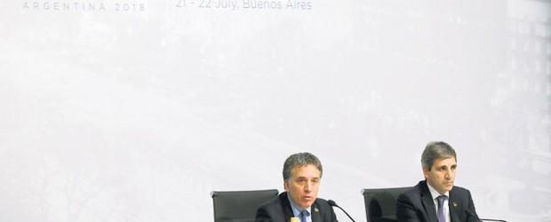 PERDIDOS EN LA TORMENTA: Macri buscó dar por superada la crisis pese a que el G-20 expuso una guerra comercial que presagia tormenta