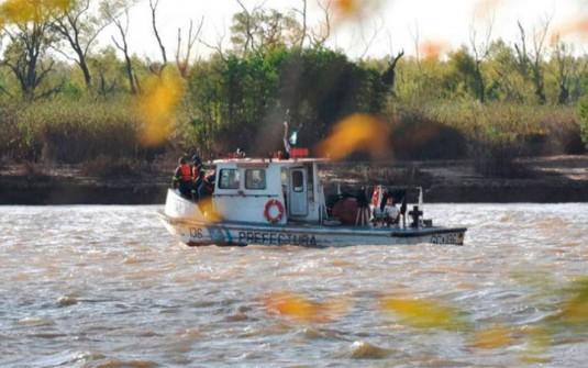 Cerca de Rosario: Naufragio en el Paraná: Retoman la búsqueda de los cuatro desaparecidos