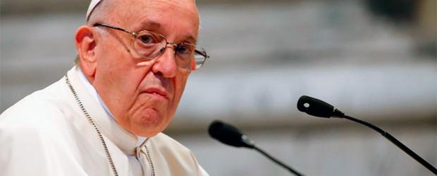 """El Papa condena """"con fuerza"""" las """"atrocidades"""" de pedofilia en EE.UU."""