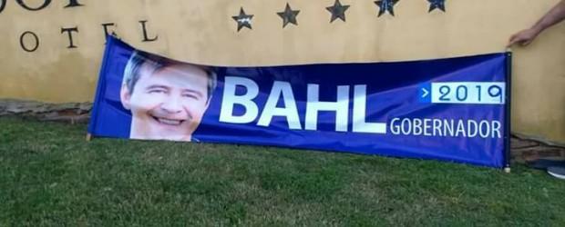 El ajuste llegó a la vice:  Bahl, ¿largó para la gobernación o lo largan?