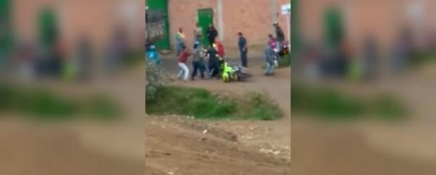 Una cadena falsa de WhatsApp los acusaba de robar bebés: los lincharon y mataron a uno de los tres