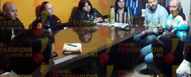 SEGURIDAD URBANA: IMPORTANTE REUNIÓN ENTRE MUNICIPIO, POLICÍA, LEGISLADORA, CONCEJALES Y GREMIO COMERCIAL