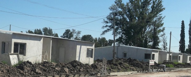 CONSCRIPTO BERNARDI: Coordinan tareas para llegar con energía a un grupo de 30 viviendas en construcción