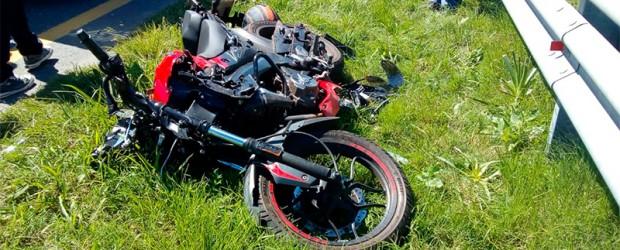 Se dirigía hacia Zárate: Aspirante a prefecto se durmió en su moto y sufrió grave accidente en Ruta 14