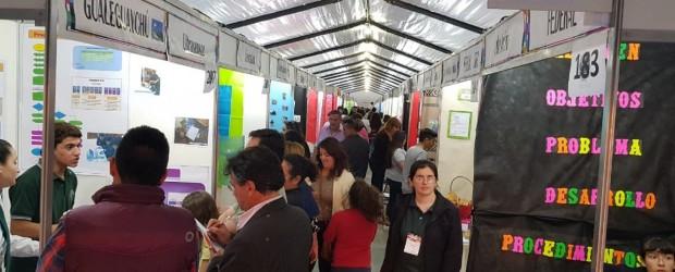 Con la participación de más de 1500 alumnos y docentes comenzó al Feria Provincial de Educación