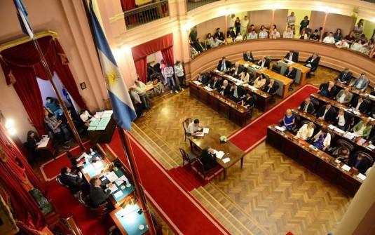 Proyecto de Ley: Proponen que la Legislatura no reciba más del 1% del presupuesto provincial