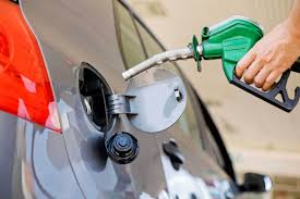 A contramano: El petróleo sigue en baja, mientras las naftas suben en Argentina
