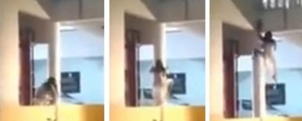 """Escalofriante: Mujer poseída trepa las paredes como en """"El Exorcista"""""""