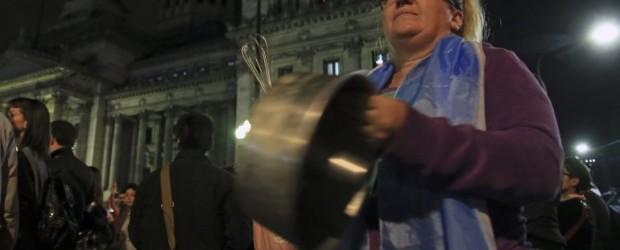 Cacerolazo en toda la Ciudad contra el tarifazo del Gobierno
