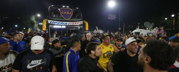 Las barras bravas, amos del fútbol argentino