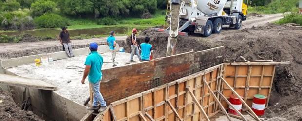 El gobierno construye tres obras de arte sobre afluentes en el departamento Federal
