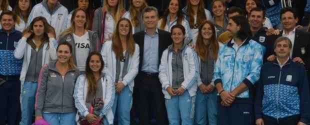 Mauricio Macri firmó el DNU que degrada y privatiza el deporte argentino