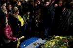Dolor en Nantes por Emiliano Sala: Miles de hinchas lloran por el goleador