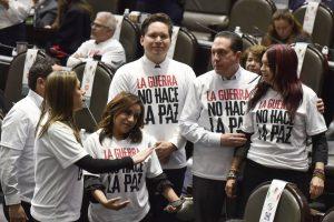 El partido de López Obrador se apoya en el PRI para profundizar la militarización