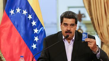 """VENEZUELA: Maduro da las gracias a Putin y le pide una """"conversación permanente"""""""
