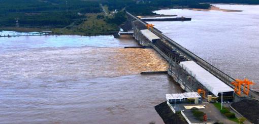 Lluvias en la región complican el panorama: Evalúan que el Uruguay podría superar la barrera de los 11 metros en el puerto local