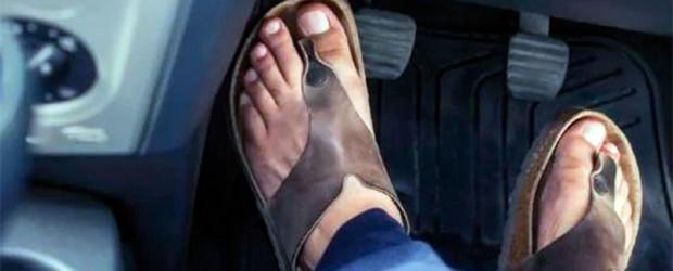 Seguridad Vial: CLo multaron por manejar en ojotas: Cuál es el calzado autorizado para conducir