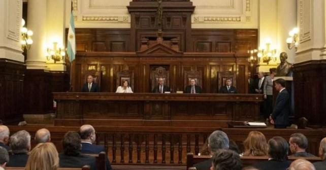 Duro golpe a Macri: La Corte lo obliga a pagarle $15.000 millones a San Luis
