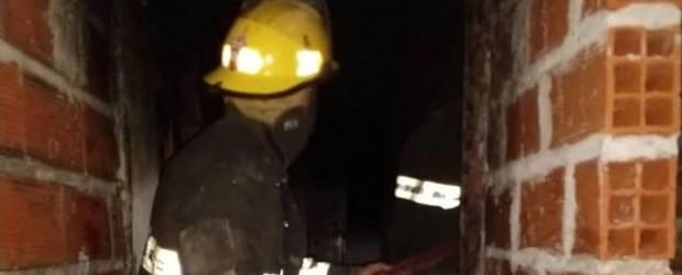 Incendiaron intencionalmente la casa de una mujer en La Paz