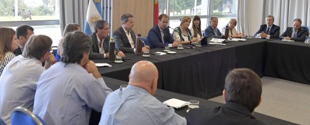 Agenda electoral y avance del plan de obras abordó Bordet con su gabinete