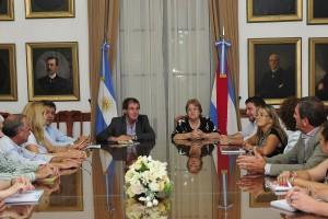 DISCUSIÓN SALARIAL: Gobierno presentó oferta y Agmer la rechazó