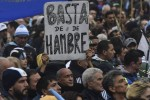 """El Diario El País de España advierte que los argentinos """"comen solo una vez por día"""""""