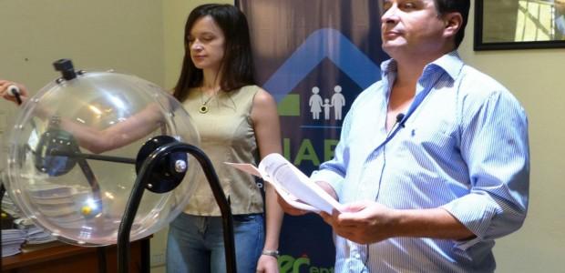 Resultado de imagen para Se rubricaron escrituras de grupos habitacionales deConcepción del Uruguay y Colonia Elía