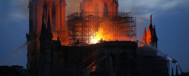 Emmanuel Macron, Notre-Dame y los chalecos amarillos