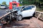 Ruta 20: Falleció un hombre tras incrustarse un auto contra las barandas de un puente