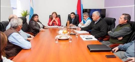 Departamento: Coordinan tareas de conservación para caminos de Colonia San Lorenzo