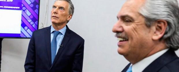 Alberto fue a buscar a un pálido Macri que no tuvo reacción en un debate que los tuvo como protagonistas excluyentes