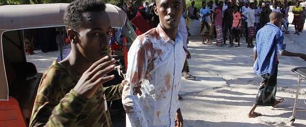 SOMALIA: Explosión de un coche bomba deja más de 70 fallecidos y decenas de heridos en Somalia