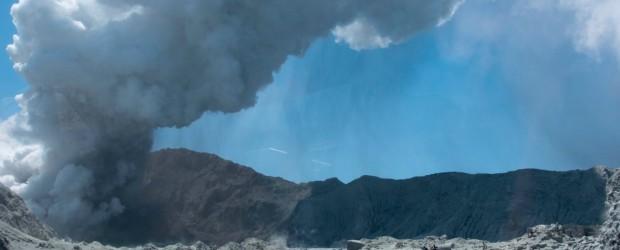 NUEVA ZELANDA: Nueva Zelanda: al menos cinco muertos por la erupción de un volcán