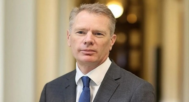 Detuvieron al embajador británico en Irán durante las protestas por el derribo del avión ucraniano