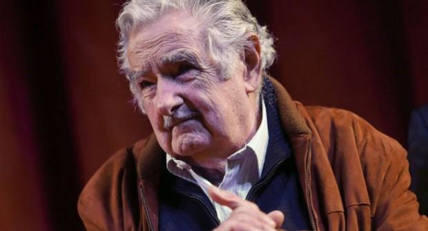 """Pepe Mujica: """"En vez de traer 100 mil cagadores argentinos, preocupémonos porque los nuestros inviertan acá"""""""