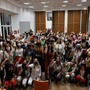 Stratta encabezó un encuentro de mujeres peronistas en gestión: Acompañada por Tolosa Paz y también presente la senadora Miranda