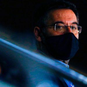 Barcelona: detuvieron al ex presidente Bartomeu tras allanamientos en el club